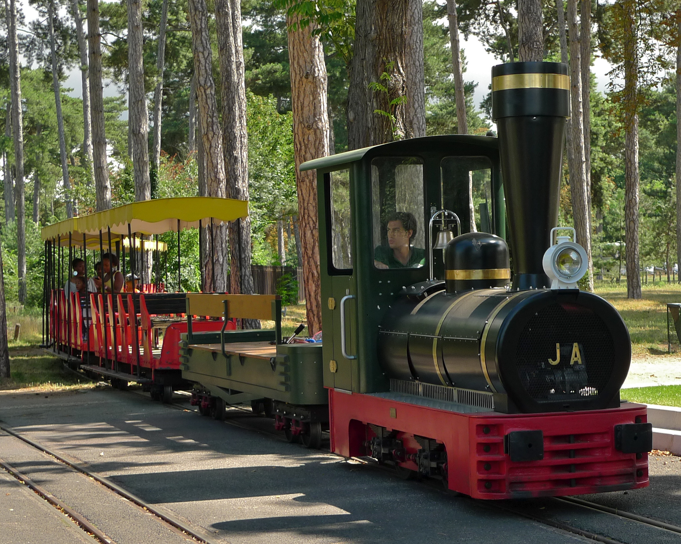 Steam Train in the Bois de Boulogne Revisited