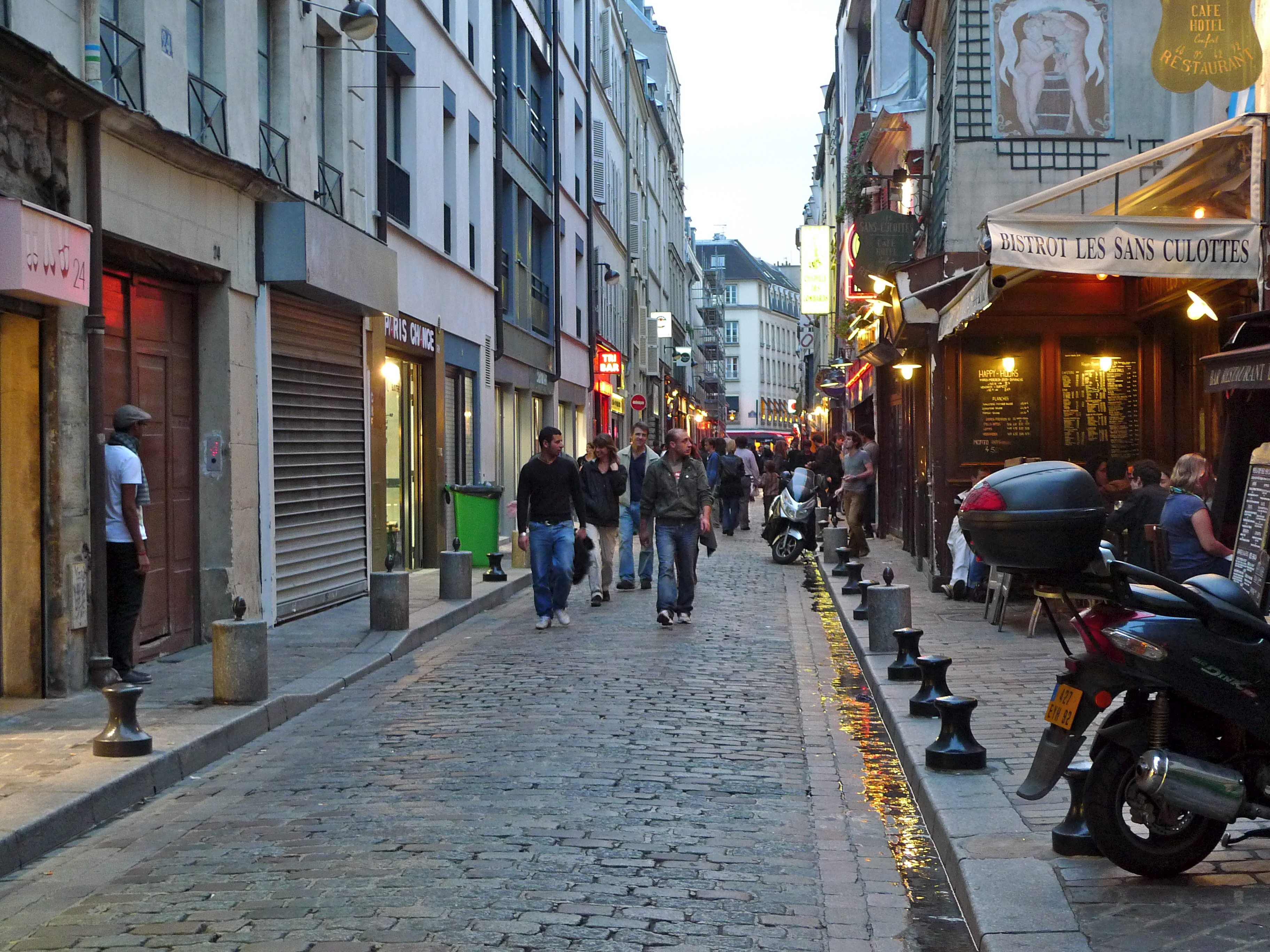 Rue du faubourg saint antoine - Paris rue du faubourg saint antoine ...