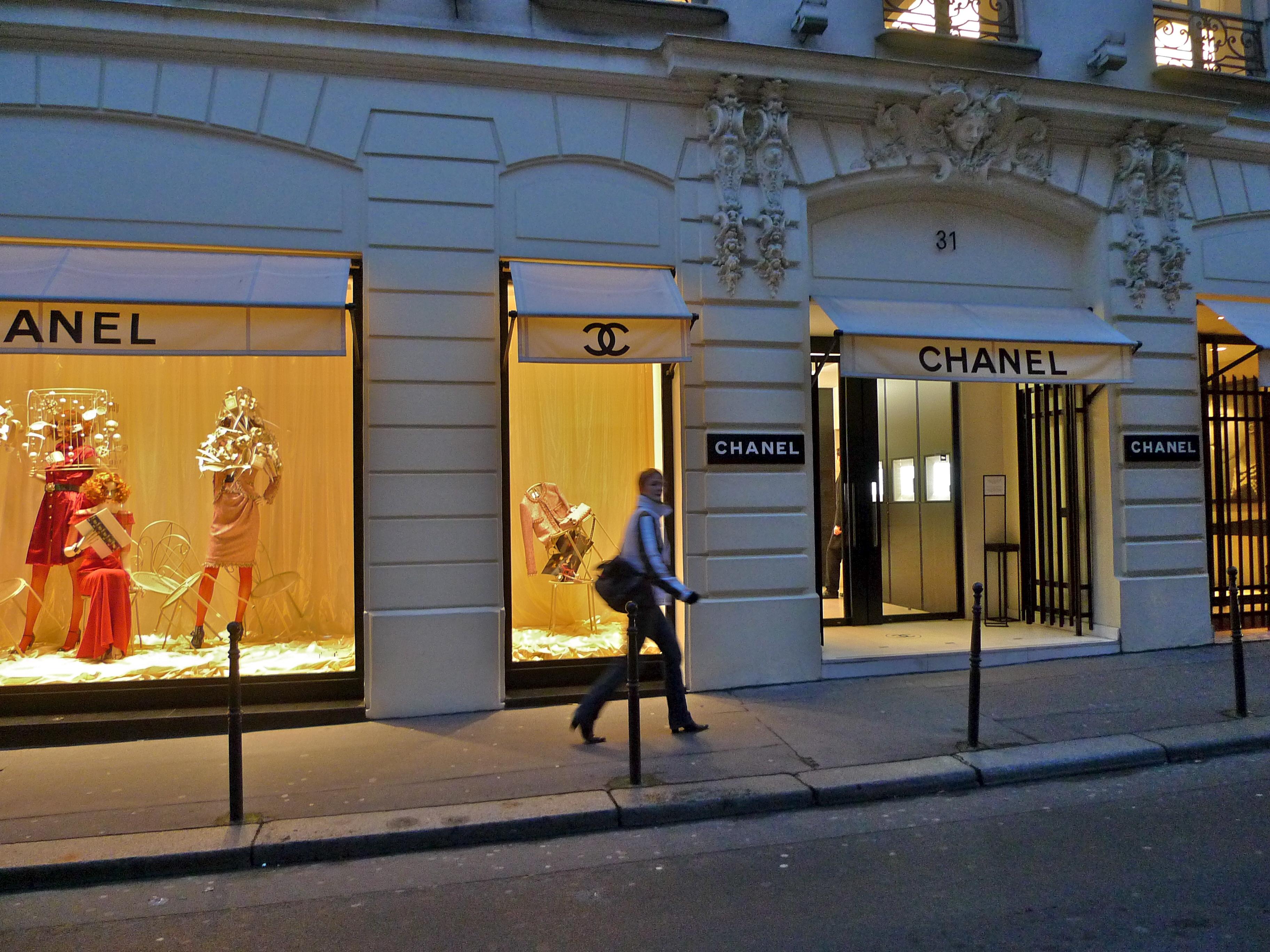 Fashion House Gabbana And Dolce