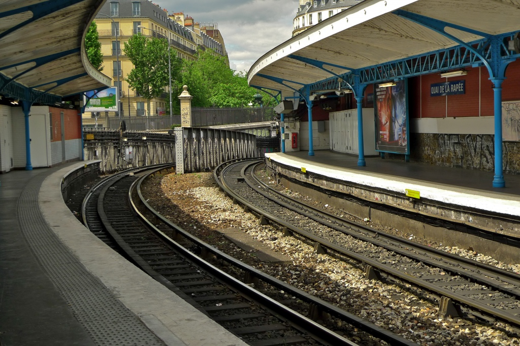 301 moved permanently for Quai d orsay metro