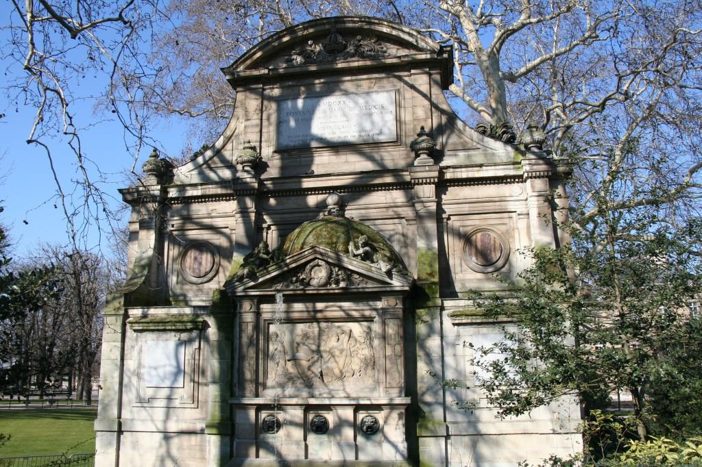 09 Fountain Medicis