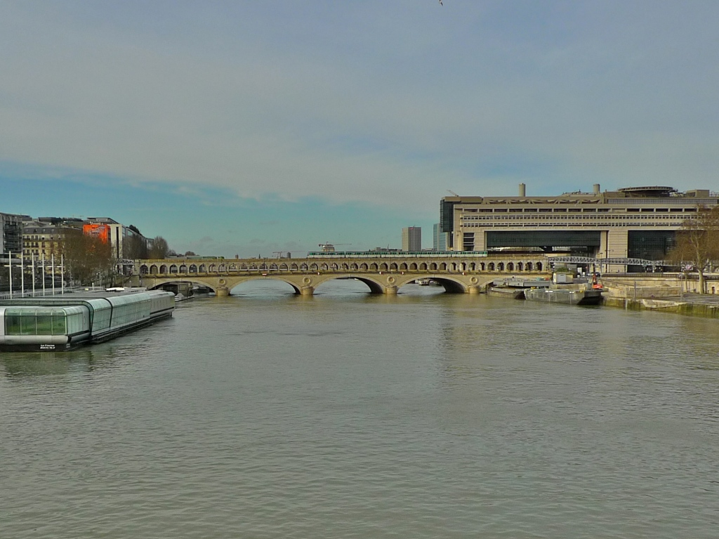 Pont de bercy soundlandscapes 39 blog for Construction piscine josephine baker