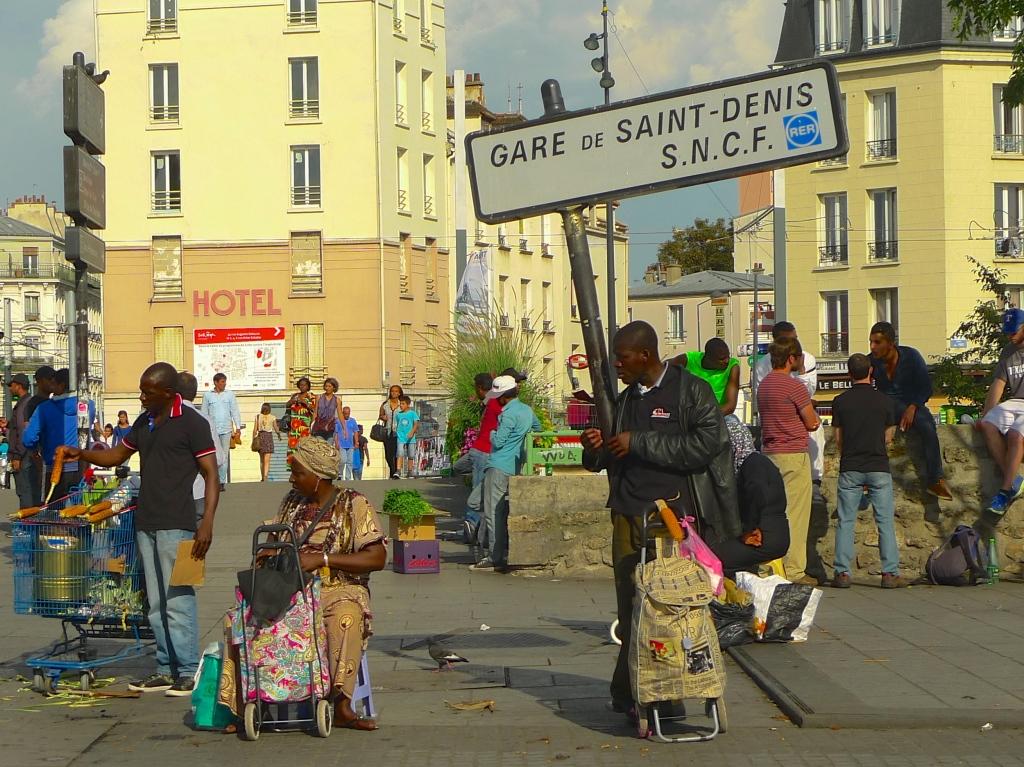 Saint- Denis