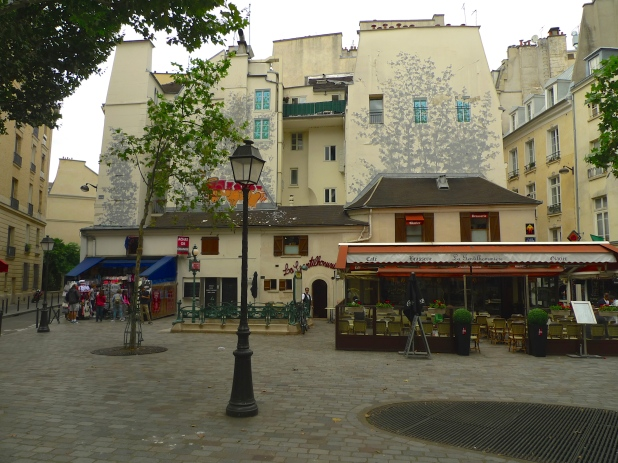 Place Saint André des Arts