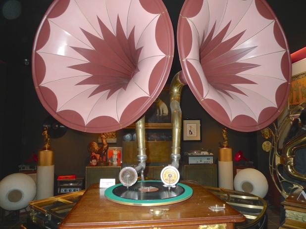 Phono Museum, 53 Boulevard de Rochechouart